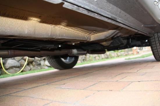mitsubishi outlander forum outlander ii benzin diesel rost am auspuff nach 2600 km. Black Bedroom Furniture Sets. Home Design Ideas